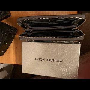 Michael Kors Wallet in Silver